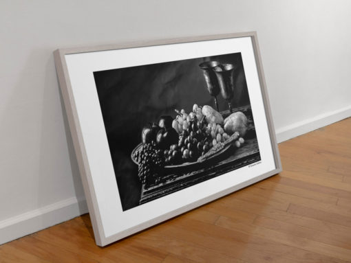 Black-Apples-print-photography-wall-art-galliani-collection-grey wall art